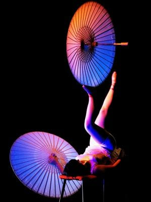 https://www.cirquemystique.com/zoe-robbins/